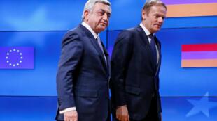 Президент Армении Серж Саргсян (слева) и председатель Европейского совета Дональд Туск, Брюссель, 27 февраля 2017.
