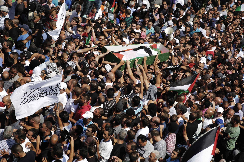 Palestinos acompanham enterro de Mohamed Abou  Khdeir, 16 anos