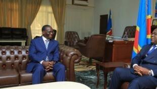Le président congolais Félix Tshisekedi (d.) et Sylvestre Ilunga Ilunkamba, en mai 2019 à Kinshasa (illustration).