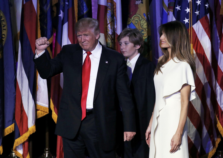 Rais mteule wa Marekani, Donald Trump, wakati akiwa mjini Manhattan baada ya kutoa hotuba ya ushindi wake, 9 Novemba 2016.
