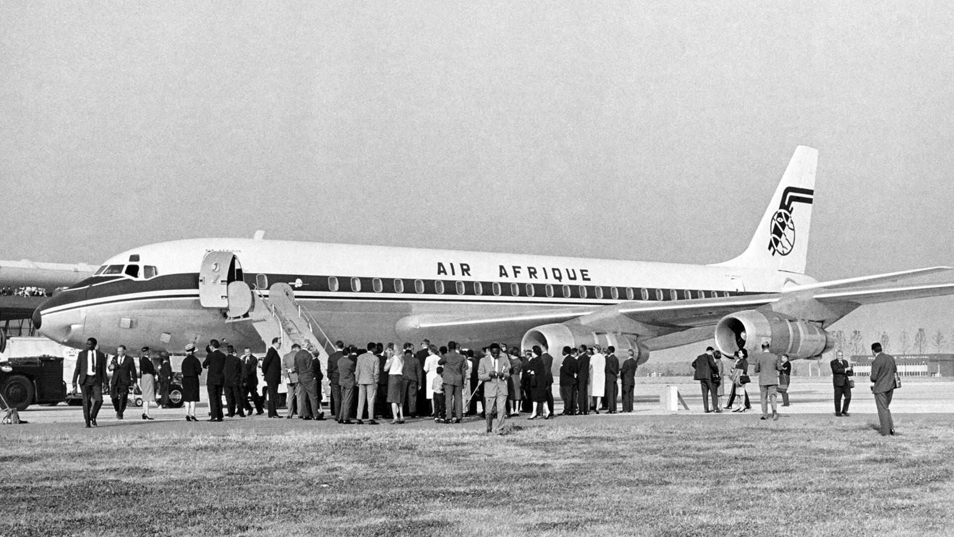 Cérémonies de lancement de la compagnie aérienne africaine à l'aéroport international de Dulles, Washington DC, le 19 octobre 1963.
