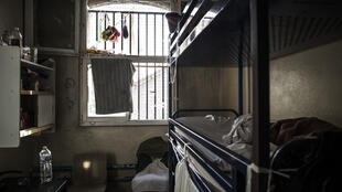 Всего во Франции под стражей содержатся более 70 тысяч человек