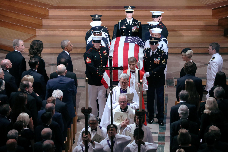 Marais wa zamani wa Marekani wakiwa mstari wa mbele katika maziko ya Seneta John McCain katika Kanisa la Washington Septemba 1,2018