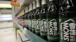 Hình dạng chai bia Tuyết hoa - Snow Beer - loại bia được nhiều người uống nhất trên thế giới.