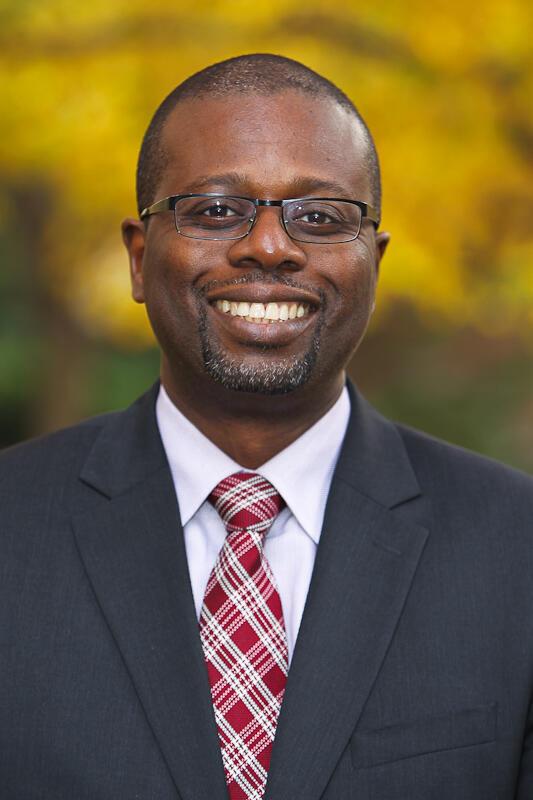 Amadou Sy est chercheur principal à la Brookings Institution et membre du projet de recherche «Africa Growth Initiative».
