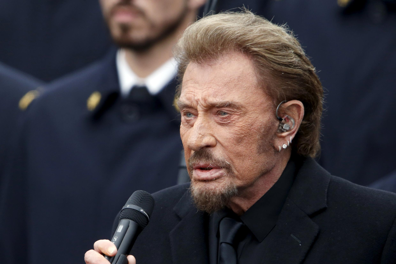 Джонни Холлидей исполнил песню «Январское воскресенье» в память о марше четырех миллионов французов против терроризма 11 января 2015 года