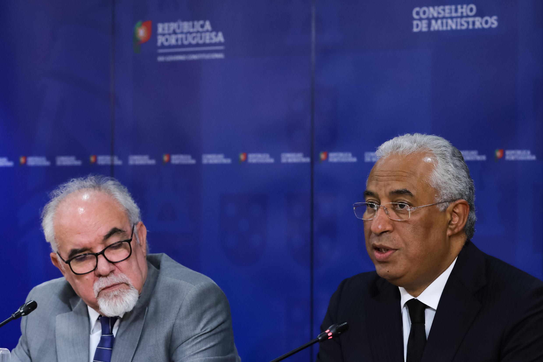 Primeiro-ministro português na conferência de imprensa após o Conselho de ministros em Lisboa a 22 de Junho de 2017.
