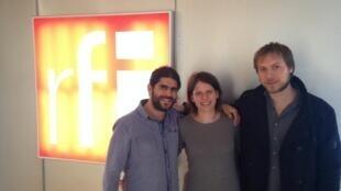José Ferreira (e), Giulia Tamanini e Pablo Schinke, que compõem o Trio in Uno, estão lançando disco Lilas na França