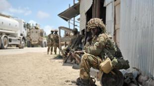 Un soldat ougandais de l'Amisom, dans la province somalienne du Bas-Shabelle, en 2014.