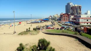 La station balnéaire Villa Gesell est située à 400 kilomètres de Buenos Aires en Argentine.
