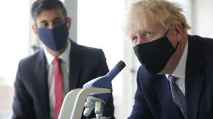 """A pesar de la creciente ola de contagios, Boris Johnson confirmó el levantamiento de casi todas las restricciones restantes en Inglaterra este lunes, el llamado """"Freedom Day"""""""