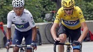 Le Colombien Nairo Quintana (à gauche) avec le Maillot Jaune Christopher Froome.