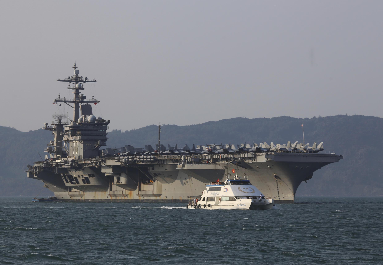 Hàng không mẫu hạm USS Carl Vinson của hải quân Mỹ cập cảng Đà Nẵng, ngày 24/05/2019.