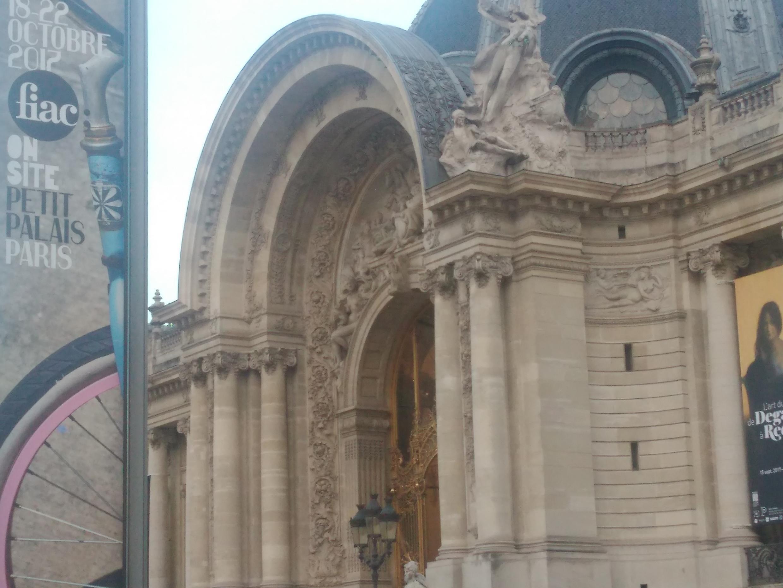 Petit Palais, onde decorre uma parte dos eventos da FIAC