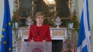 A premiê escocesa Nicola Sturgeon em pronunciamento sobre o resultado do plebiscito.