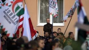 Les militants de Jobbik ont défilé dans le quartier d'Avas où se trouve une importante communauté rom.