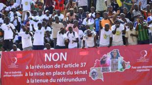 Rassemblement à Ouagadougou contre le projet de modification de la Constitution burkinabè.