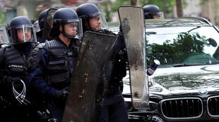 O índice de suicídio entre os policias na França é 36% acima da média nacional.