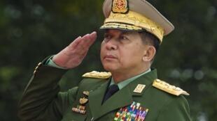 O general Min Aung Hlaing, chefe do estado maior das Forças Armadas de Myanmar.