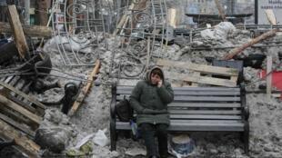 Impressionnantes barricades, après trois semaines de manifestations et d'occupation, sur la place de l'Indépendance, Maïdan Nezalejnosti, rebaptisée «Euromaïdan».