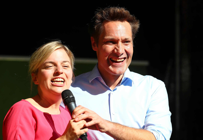 Les deux principaux candidats des Verts, Katharina Schulze et Ludwig Hartmann, lors du dernier meeting du parti à Munich avant les élections régionales, le 11 octobre 2018.