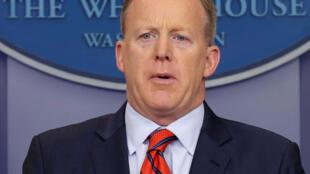 O secretário de imprensa da Casa Branca, Sean Spicer, se desculpou após a gafe.