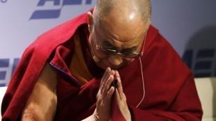 Dalai Lama já está nos Estados Unidos deve se encontrar com Barack Obama nesta sexta-feira.