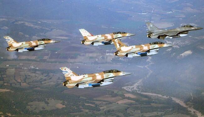 برخی منابع از حمله جنگندههای عربستان سعودی علیه مواضع حوثیها در یمن گزارش میدهند.