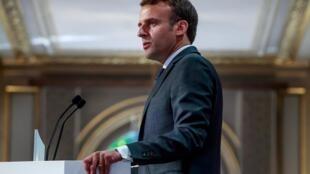 O presidente francês Emmanuel Macron, alvo de um trote de dois humoristas ucranianos