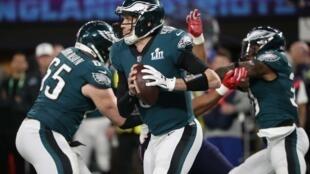 Os Philadelphia Eagles venceram os New England Patriots na final do Super Bowl. Nick Foles (centro) foi o líder da equipa vencedora.