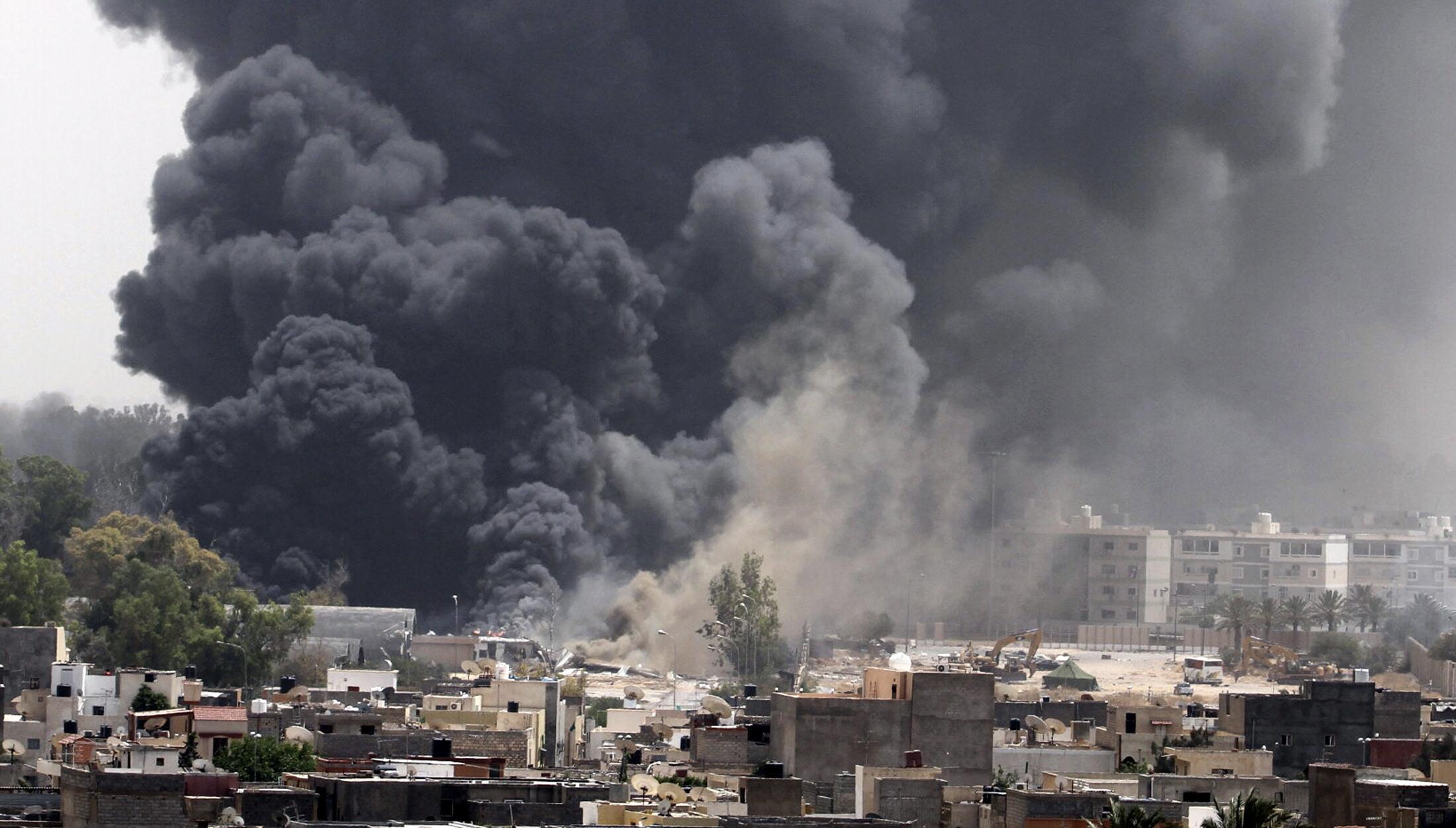 Результат бомбардировки НАТО резиденции Каддафи Баб аль-Азизия в центре Триполи. 07/06/2011