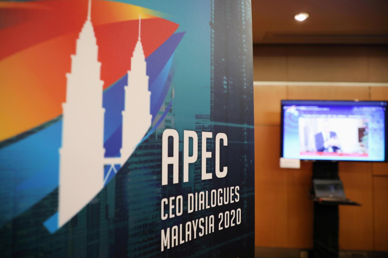 2020-11-19T081929Z_640988911_RC236K9VZ06Q_RTRMADP_3_APEC-SUMMIT-MALAYSIA-CEOS