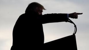 Tổng thống Mỹ Donald Trump cảnh báo Trung Quốc là tình hình sẽ « tồi tệ hơn nhiều », nếu để thương thuyết kéo dài. Ảnh minh họa