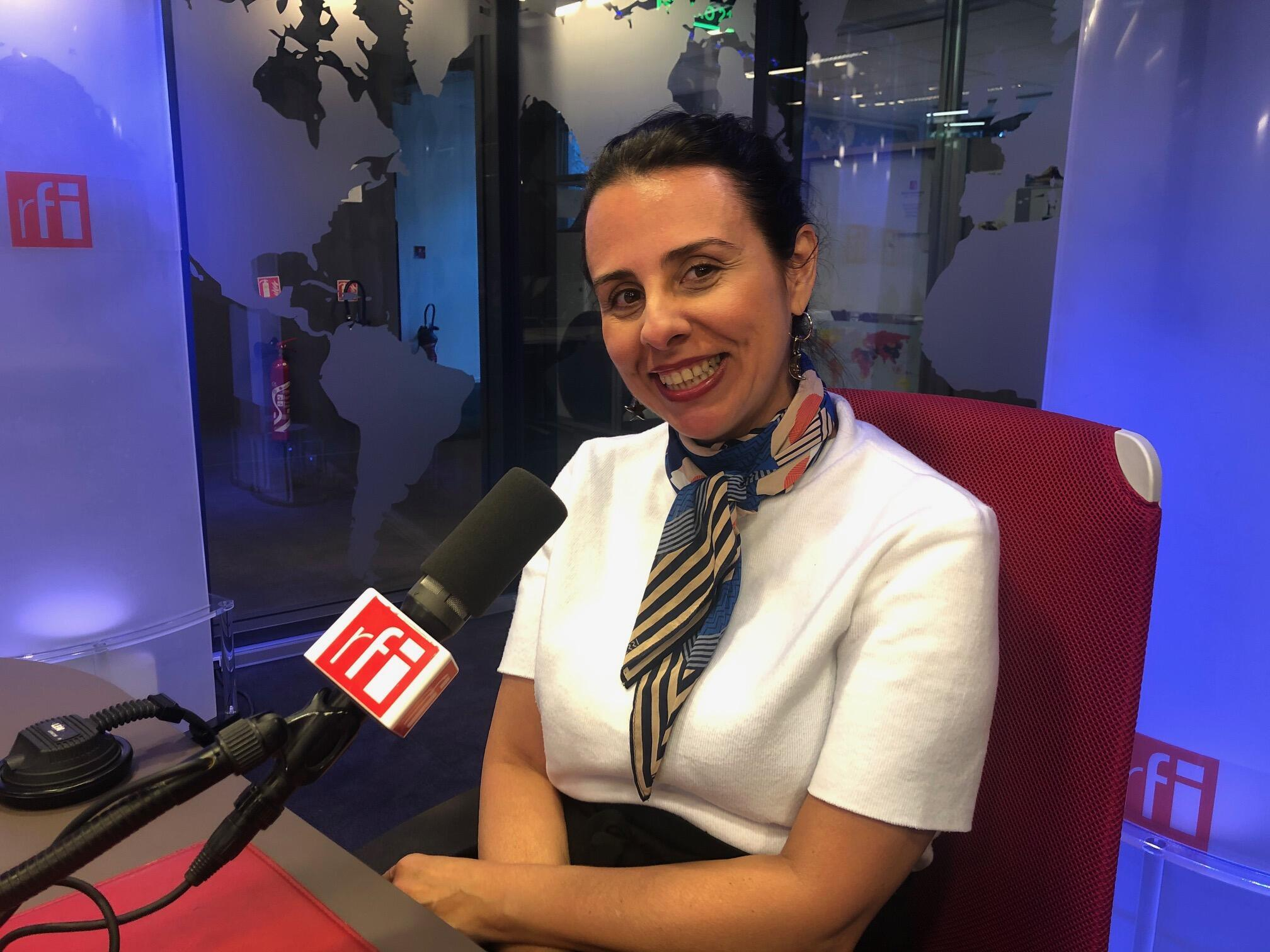 Jornalista, escritora, consultora de imagem e terapeuta holística Helen Pomposelli