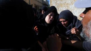 Funeral de palestino, morto durante protesto na fronteira entre Israel e Gaza depois da instalação da embaixada americana de Israel em Jerusalem. Os soldados israelenses mataram ao menos 58 palestinos nesta segunda-feira. 14/05/18.