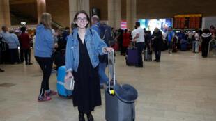 L'étudiante américaine Lara Alqasem à l'aéroport Ben Gurion de Lod, près de Tel Aviv, après sa libération, ce jeudi 18 octobre 2018.