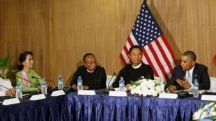En marge du sommet de l'Asean, Barack Obama a rencontré une dizaine de parlementaires, le 13 novembre.