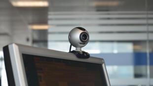 Le logiciel gratuit Skype permet aux utilisateurs de passer des appels téléphoniques et vidéo via Internet.