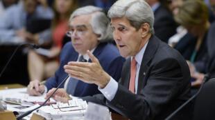 Le secrétaire d'Etat américain John Kerry en campagne pour défendre l'accord sur le nucléaire iranien qui doit être voté par le Congrès américain.