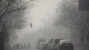 雾霾笼罩北京市中心,2013年1月12号
