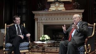 Dmitry Medvedev (L) and Mikhail Gorbachev at a meeting in the Gorki presidential residence just outside Moscow