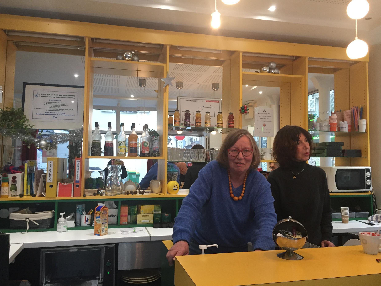 Cà phê Anh Em của Người Nghèo, 12 phố Bridaine, 75017 Paris.
