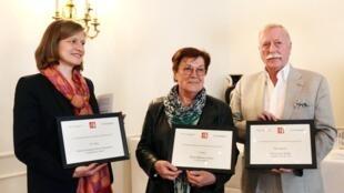 A gauche: Cécile Mégie, directrice de RFI.