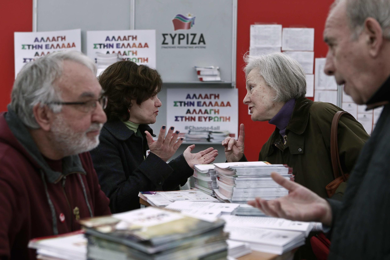 A Athènes, au siège de campagne de Syriza, samedi, tout le monde est mobilisé.