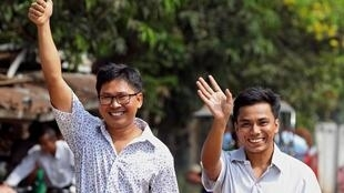 Os dois jornalistas da Reuters deixam prisão em Mianmar após mais de 500 dias detidos.