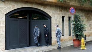Cảnh sát Liban bảo vệ trước của vào nhà ông Carlos Ghosn, Beyrouth, ngày 31/12/2019.