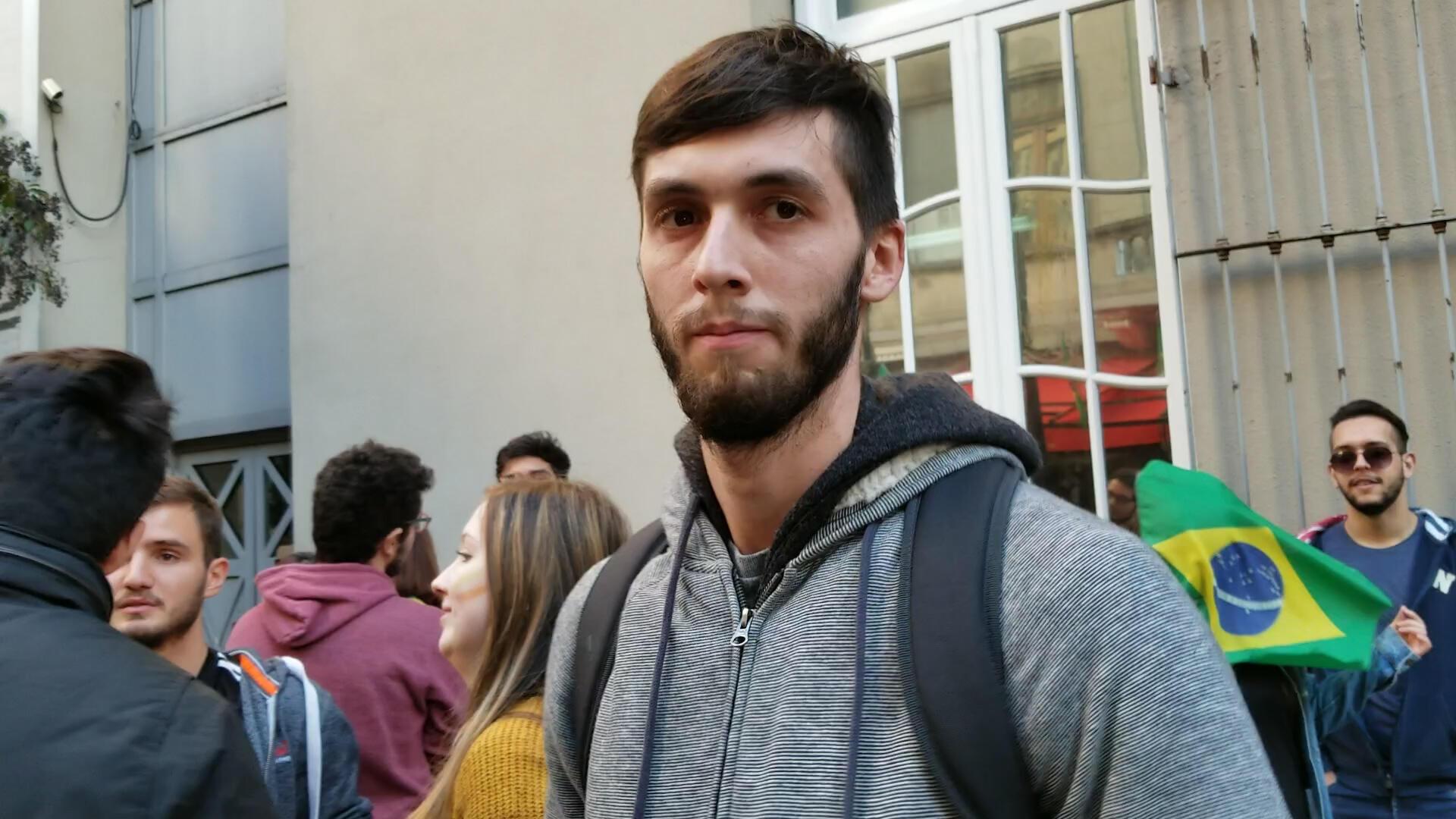 Emiliano Delari amante do futebol e da hospitalidade do brasileiro.