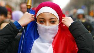 """A França baniu, em 2004, os """"símbolos religiosos ostentatórios"""" de todas as escolas públicas."""