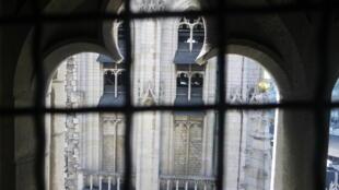 Illustration dédiée à «Ecouter les cloches de Bruxelles».