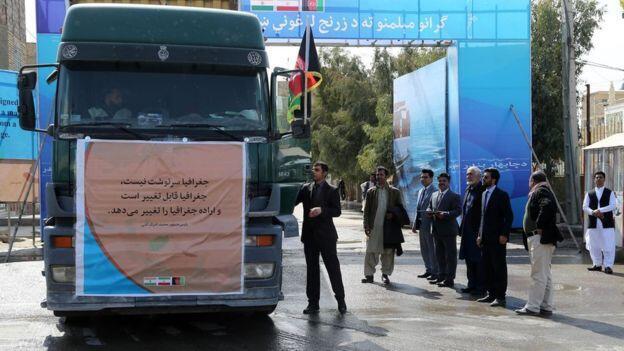 ٢٣ کامیون تجارتی افغانستان به هدف رسیدن به هند، روز یکشنبه ۵ حوت/ ٢٤ فوریه ٢٠۱٩، برای اولین بار وارد بندر چابهار ایران شدند.